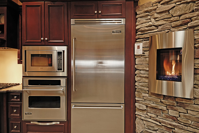 Viking appliances robertson kitchens erie pa robertson for Kitchen cabinets erie pa